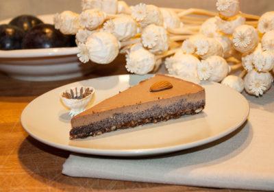 Švestkovo-makový raw dort