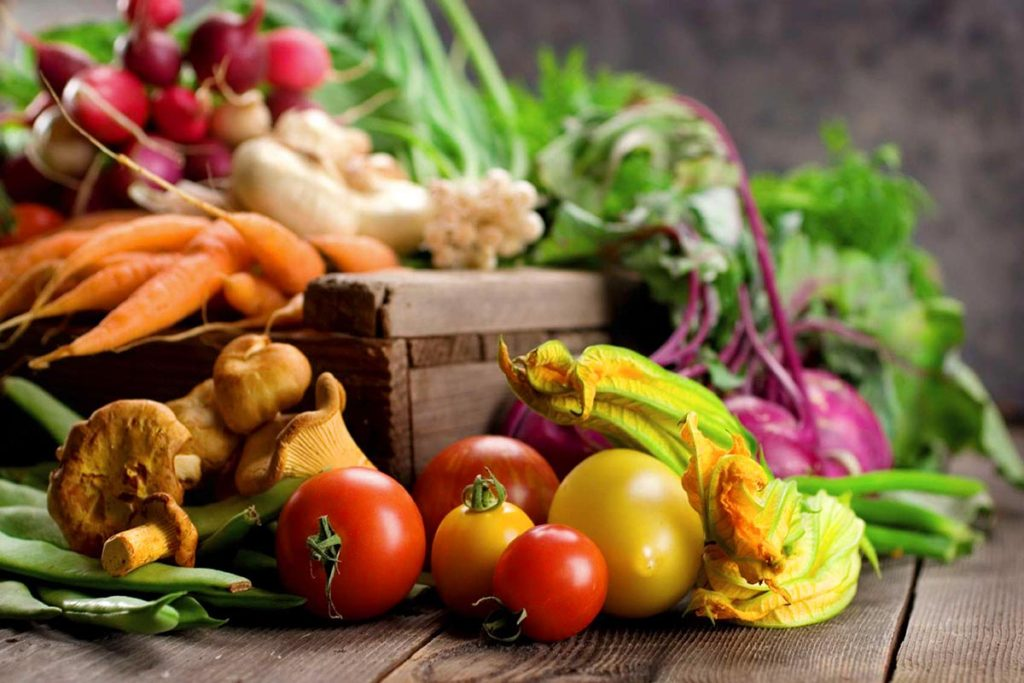 Raw organic fresh food jídlo
