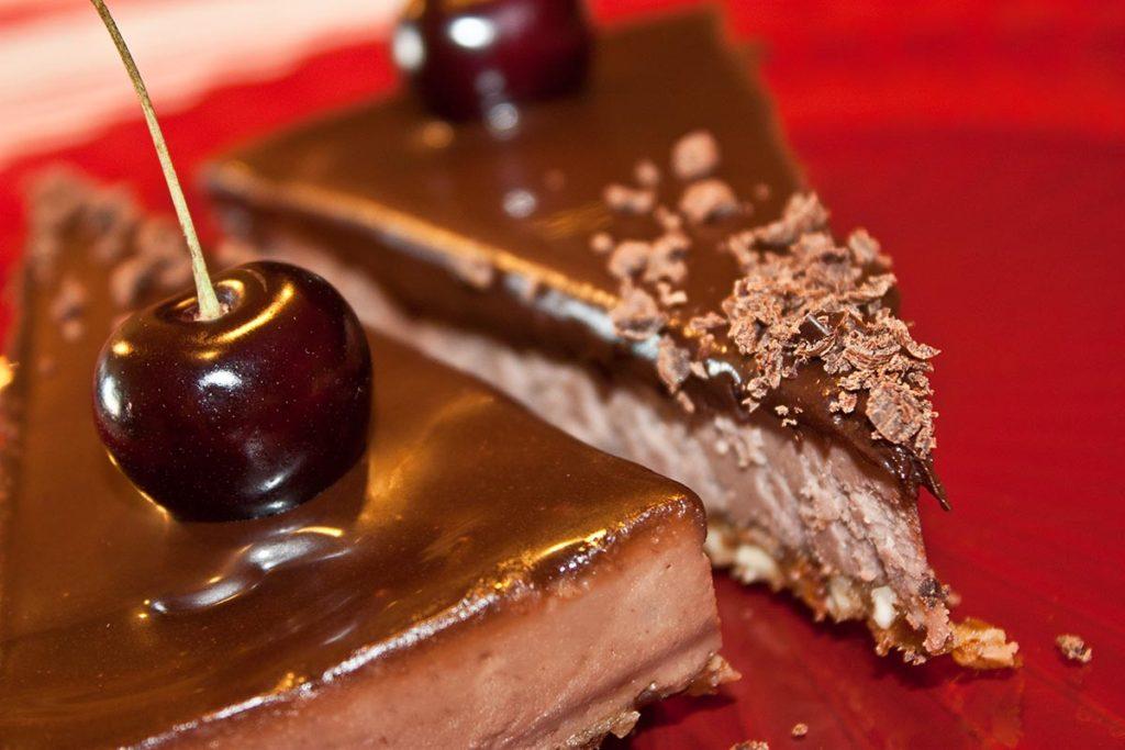 Raw třešňový dort