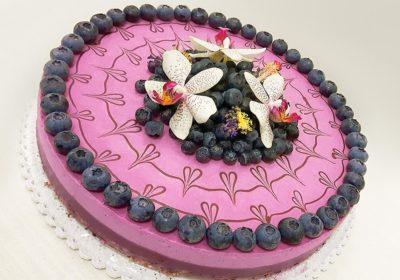 Velký raw svatební dort