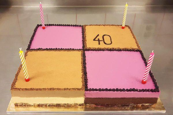 Velký narozeninový raw dort