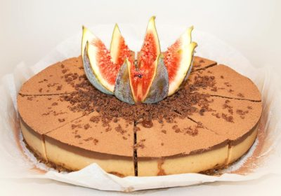 Raw dort s čerstvým fíkem